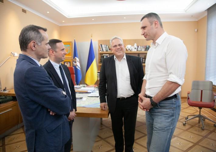 Київ перейматиме французький досвід у сфері поводження з відходами
